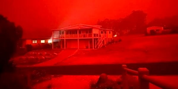 آتشسوزی استرالیا| چهار هزار نفر در یک شهر ساحلی محاصره شدند