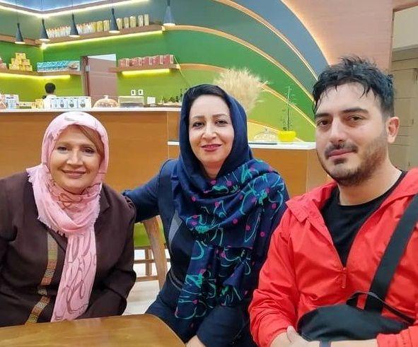 خانم بازیگر پیشکسوت و نیما شاهرخ شاهی در کافه ای خوش رنگ و لعاب+عکس