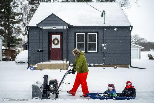 بارش برف بهاری در آمریکا (عکس)