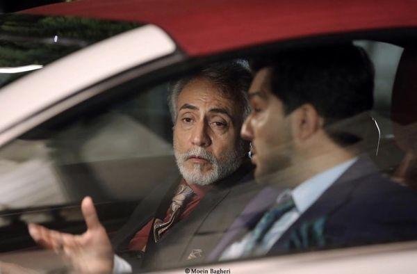 بیژن امکانیان و پسرش در ماشین + عکس