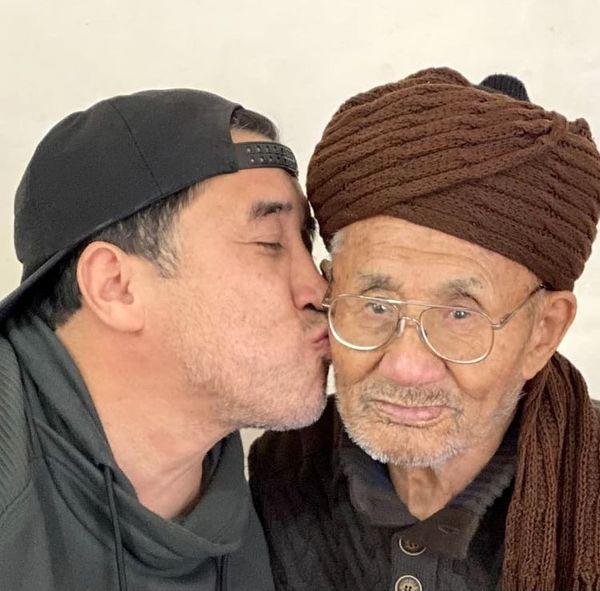 بوسه خداداد عزیزی + عکس