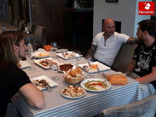حضور یک میهمان ویژه در منزل مسی (عکس)