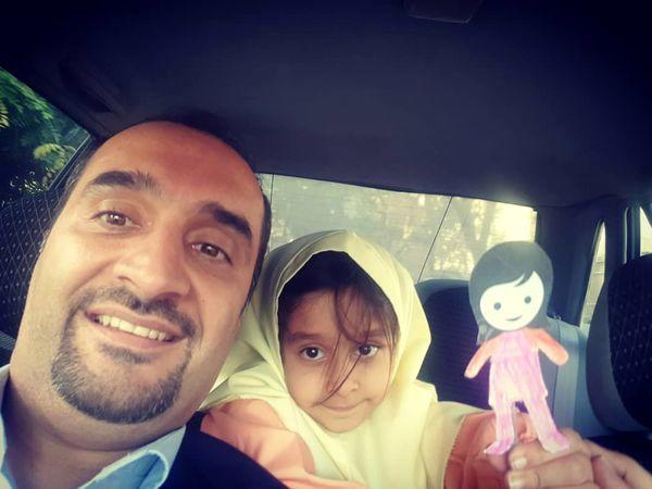 سلفی پدر دختری آقای مجری در ماشین + عکس