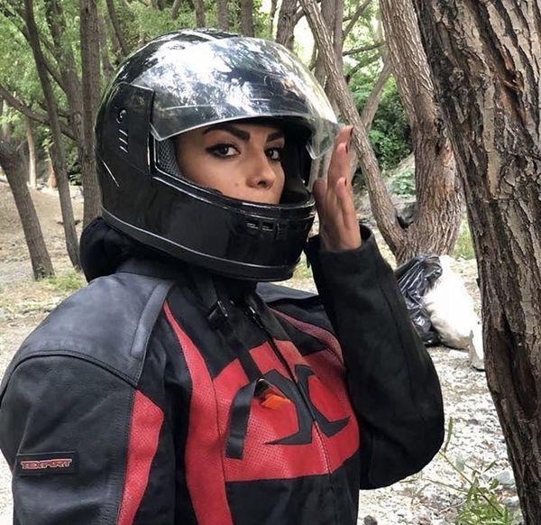 لباس موتورسواری سارا خوئینی ها + عکس