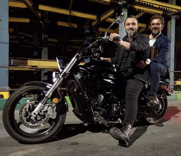 موتورسیکلت خفن کامبیز دیرباز + عکس