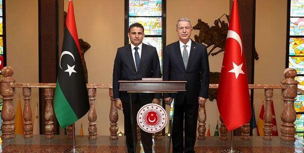 رایزنی وزرای دفاع ترکیه و دولت وفاق ملی لیبی در شهر استانبول