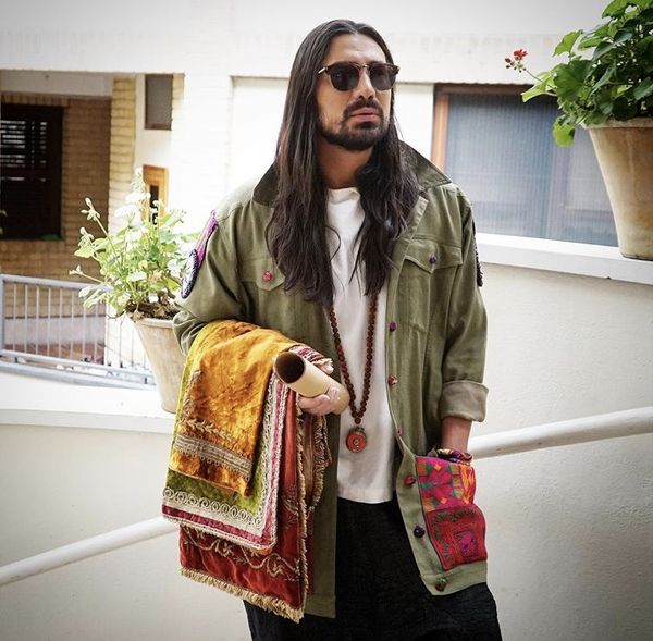 امیرعباس گلاب با لباس خاصش + عکس