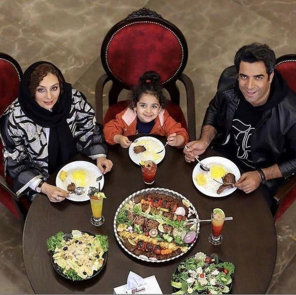 خانواده یکتا ناصر در رستورانی مجل /عکس