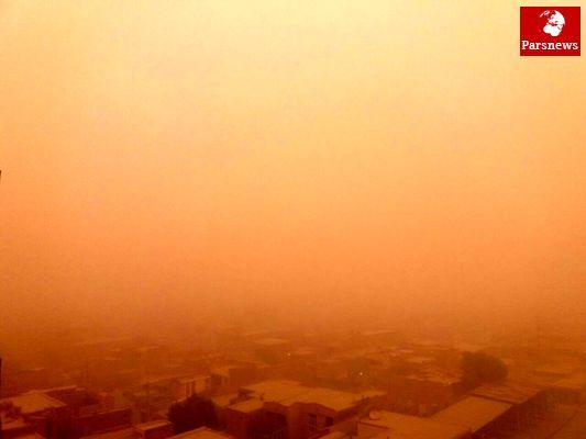 وضعیت اهواز بدتر شد؛ غلظت خاک در هوا، بیش از 57 برابر حد مجاز/ عکس