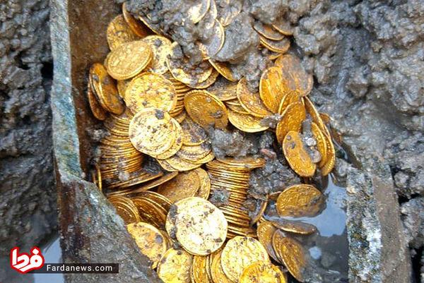 کشف کوزه سکههای طلا با ارزشی غیرقابل تخمین