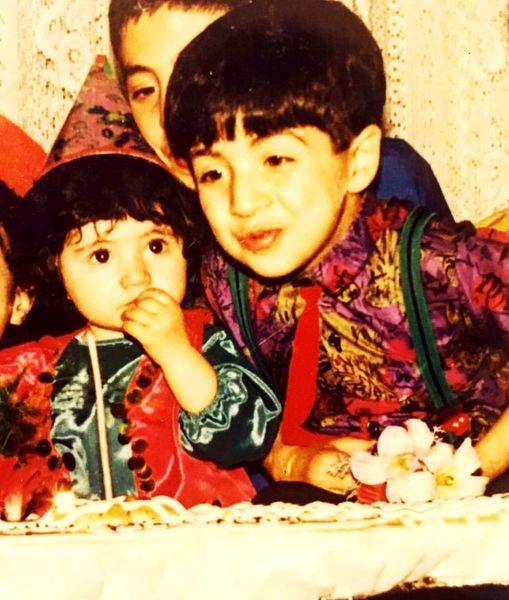 تولد بهنام بانی در کنار خواهرش+عکس