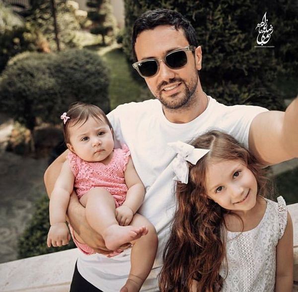شاهرخ استخری و دختران زیبایش در روز تابستانی+عکس