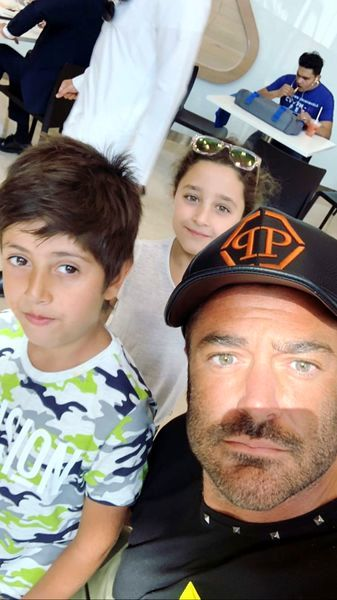 محمدرضا گلزار و هواداران زیبایش+عکس