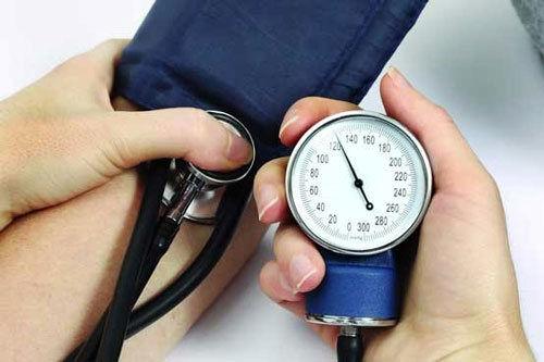 ایستادگی در مقابل قاتل خاموش انسان/ رژیم مناسب برای تنظیم فشار خون را یاد بگیریم