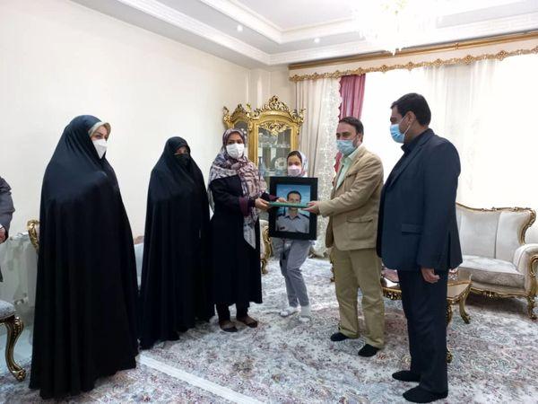 دیدار با خانواده شهید آتش نشان محسن روحانی