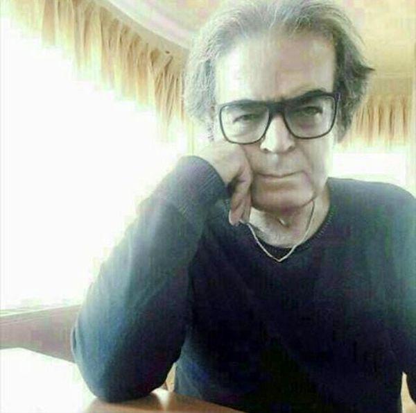 سلفی حمید لولایی در خانه اش + عکس