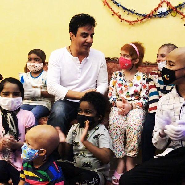 عموپورنگ در یک خانه بی نظیر در جمع کودکان+عکس