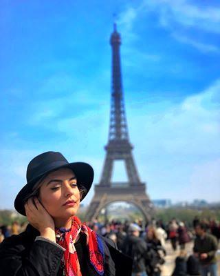 دنیا مدنی دختر بانو رویا تیموریان حوالی برج ایفل