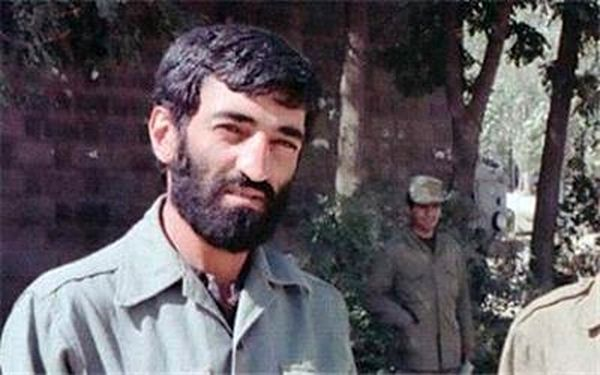 حاج احمد متوسلیان همگام با رزمندگان در فتح خرمشهر