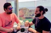 کافه گردی محمد علیزاده و دوست عربش + عکس