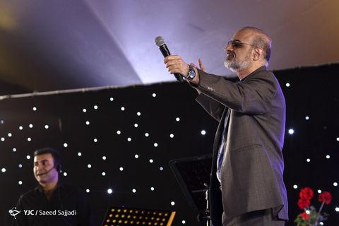 اجرای زنده محمد اصفهانی در افطاری پل طبیعت