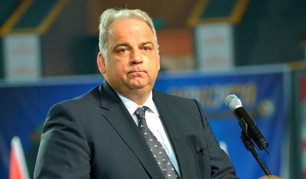 هدیه جالب به رئیس اتحادیه جهانی کشتی