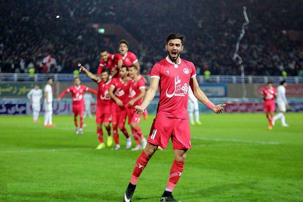 گربه سیاه استقلال راه افتاد! /عکس