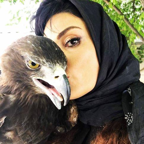 علاقه سارا خوئینی ها به عقاب!