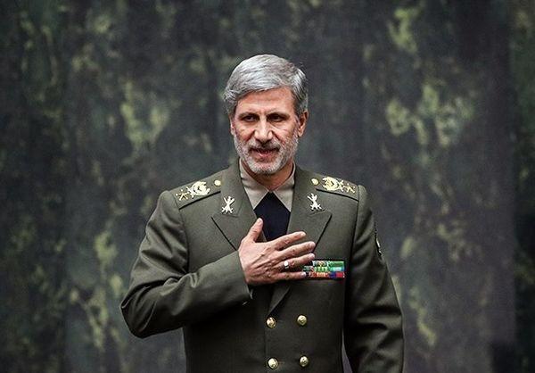 رئیس جمهور از وزیر دفاع تقدیر کرد