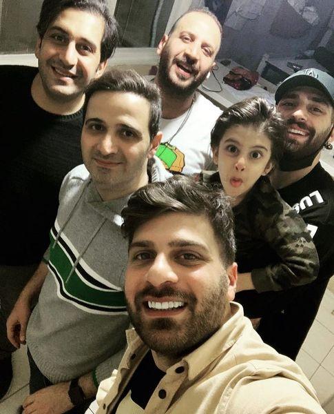 برادران شیخ زاده در جمع دوستانش + عکس
