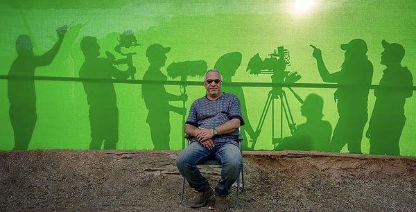 جدیدترین عکس مهران مدیری ار پشت صحنه دراکولا