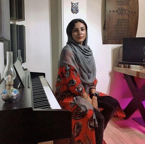 حدیثه تهرانی و پیانو زیبایش + عکس