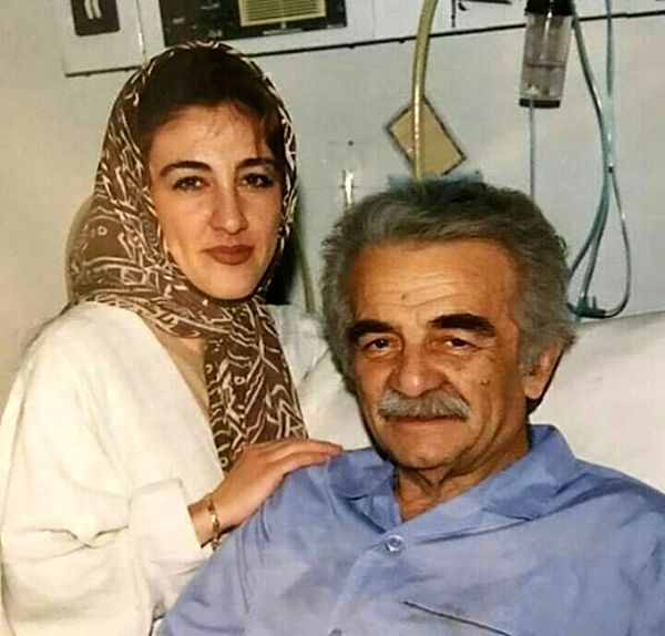 عکس منوچهر نوذری و دخترش در بیمارستان