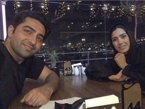 گشت و گذار علی سخنگو و همسرش در شب سالگرد ازدواجشان + عکس