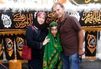 عکس محرمی آقای بازیگر و خانواده اش