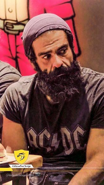 بازیگر کرگدن با ریش بلند + عکس