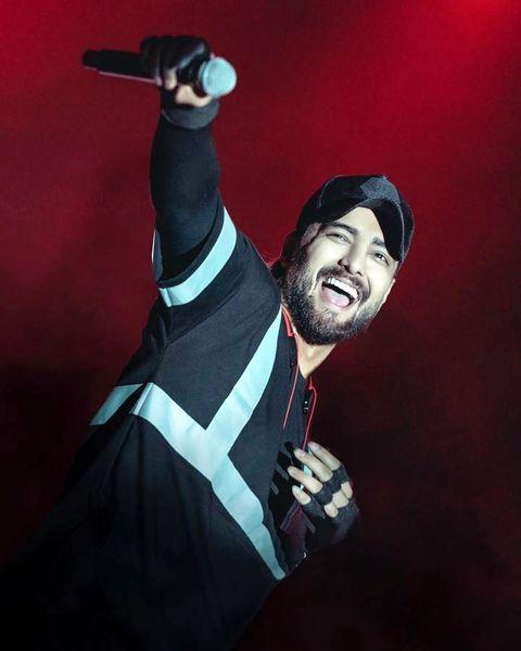 شادی خواننده ماکان بند در کنسرت + عکس