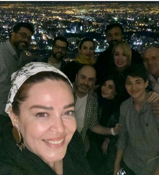 گردش شبانه بهاره رهنما با خانواده + عکس