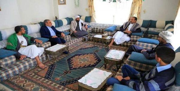 حضور سفیر ایران در خانه وزیر یمنی که ترور شد