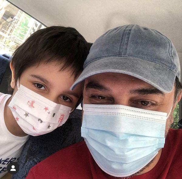 گشت و گذار برزو ارجمند و پسرش در کرونا + عکس