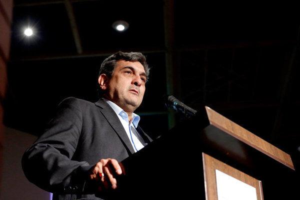 پیروز حناچی گزینه ای ناکارآمد ولی مدعی برای شهرداری تهران