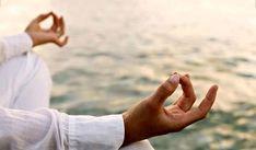 کلاسهای ورزشی یوگا؛ به نام آرامش مردم به کام عرفانهای نوظهور