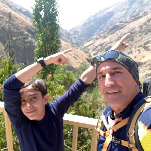 کوهنوردی صالح آقا میرزایی با پسرش + عکس