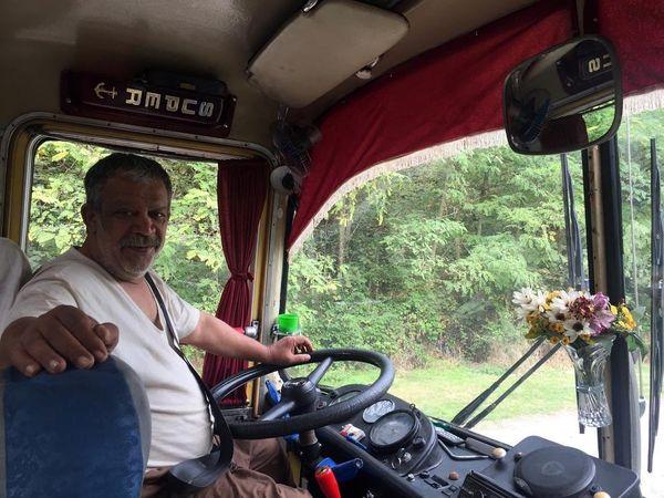 حسن پورشیرازی با تیپ راننده اتوبوس+عکس