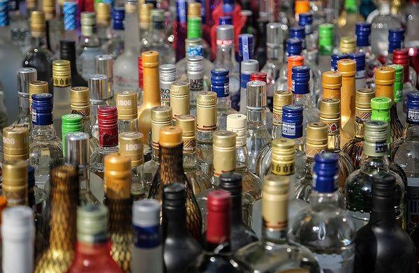 هشدار پزشکی قانونی درباره مشروبات الکلی در ایران
