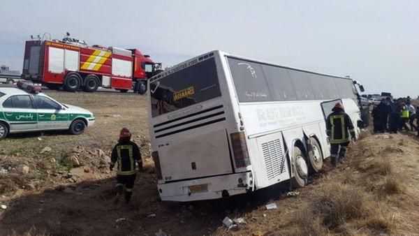 برخورد دو اتوبوس در آزادراه تهران – کرج