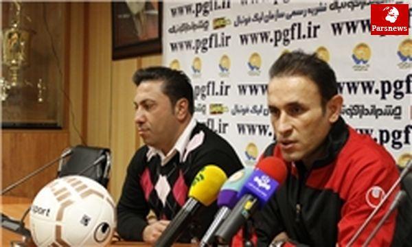 گلمحمدی: کریمی شرایط ۹۰ دقیقه بازی را ندارد