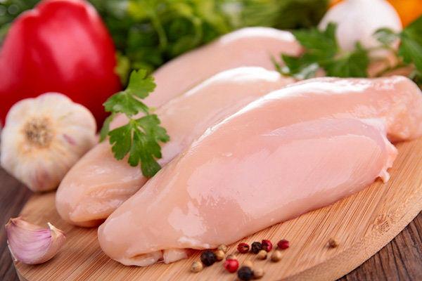 عرضه مستمر مرغ با نرخ مصوب در میادین میوه و ترهبار