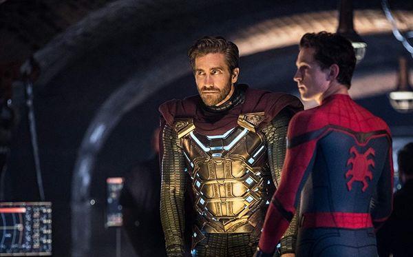 جیک جیلینهال به کمک مرد عنکبوتی آمد