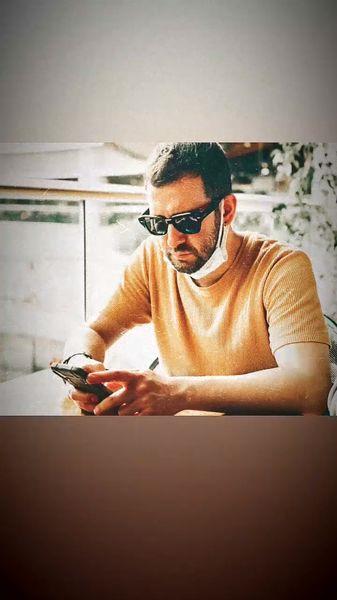 کارکردن نیما شعبان نژاد در کافه + عکس